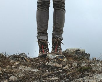 Myslite na svoje zdravie a vyberte si bezpečnú obuv do práce